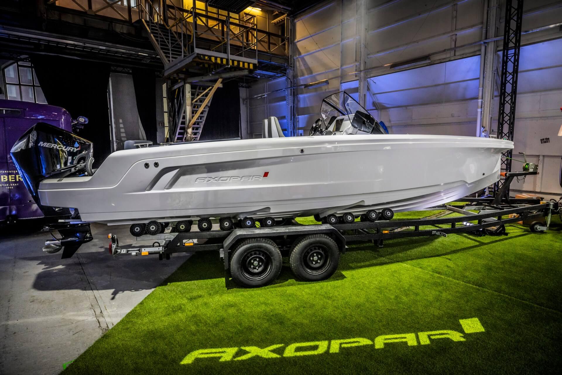Премиум-класс до конкурентного рынка 22-футовых лодок